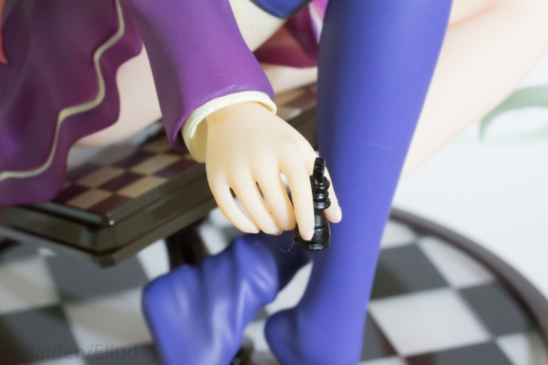 Almost lost that chess piece several times. Since it popped from her hands.