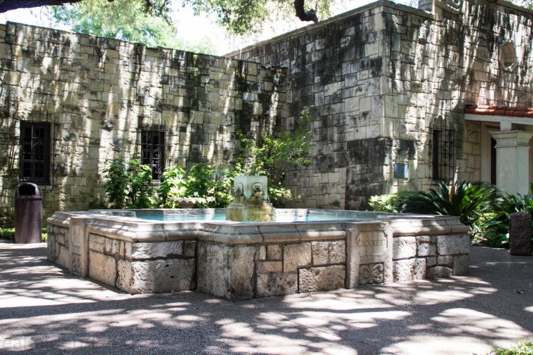 Crockett Fountain